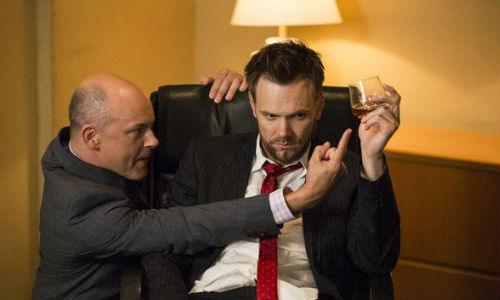 Jeff Winger (Joel McHale) and Alan Connor (Rob Corddry) resume their comically adversarial relationship, with Jeff looking he has the upper hand in this scene (image via seat42f.com)