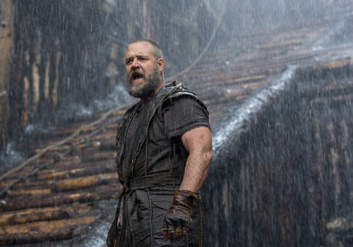 Noah is a man devoted to God, to his calling and to just doing pretty much anything to make it happen ... even in the rain (image via noahmovie.com.au)