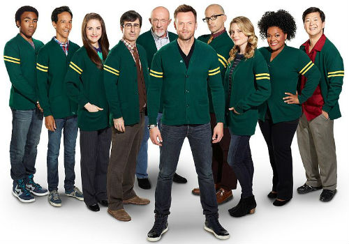 The main season 5 cast of Community (image via Wikipedia (c) NBC)