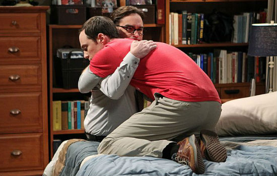 Leonard (Johnny Galecki) and Sheldon (Jim Parsons) embrace in a sad moment, proof that the episode won't be able Ewoks and Rebels' celebrations (image via Seat 42F (c) CBS)