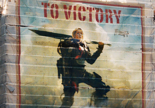 Emily Blunt's Sergeant Vrataski is the face of the war effort and Cruise's smarmy Cage it's action-unsullied mouthpiece until fate deals him an entirely different hand ... over and over again (image via Edge of Tomorrow official site)