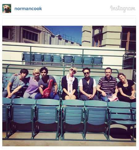 The full cast on The Big Bang Theory L-R Simon Helberg, Melissa Rauch, Kunal Nayyar, Kaley Cuoco, Johnny Galecki, Jim Parsons, Mayim Bialik (image via official Norman Cook aka Kaley Cuoco Instagram account)