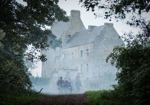 "Ah Lallybroch home sweet home, where Jamie is the Laird or Broch Tuarach means ""north-facing tower"" in Gaelic. (image via Outland wiki (c) Starz)"