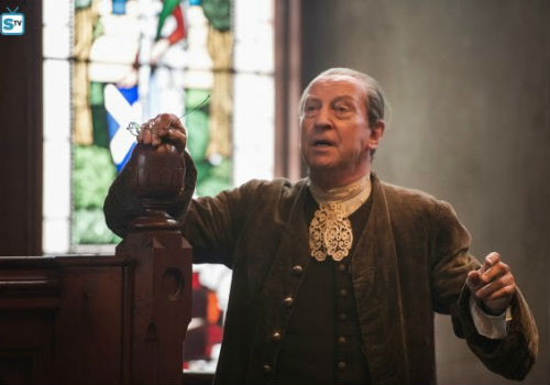 Ned Gowan in full flight at Geillis and Claire's trial, swatting away biased testimony here and baseless conjecture there (image via Spoiler TV (c) Starz)