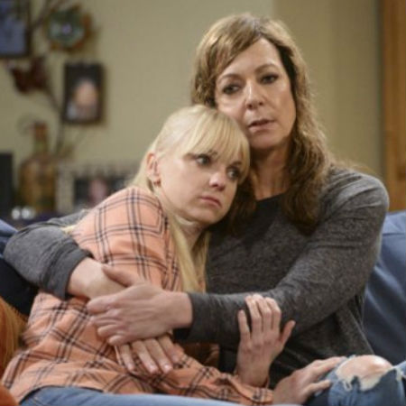 Anna Faris and Alison Janney as Christy and Bonnie Plunkett (image via Tumblr)