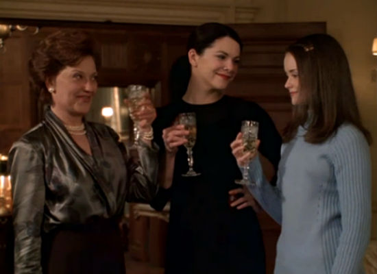 Awkwardly uncomfortable drinks and dinner - who wouldn't want to spend every Friday night like that? (image (c) Gilmore Girls)